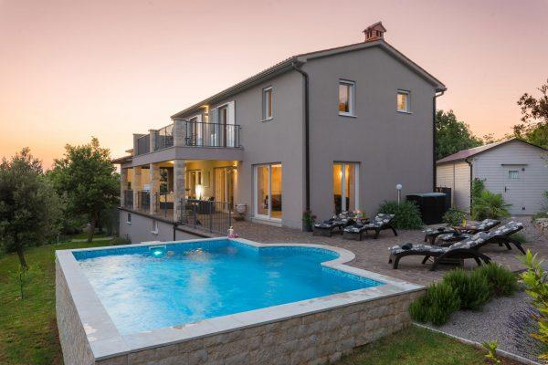 Villa Diminici - Abendstimmung am Pool